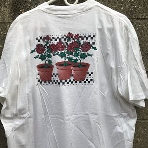 Vintage ivy geranium Rose Vase 90s T Shirt